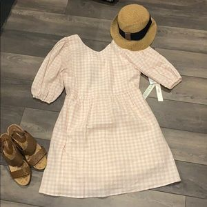 Adorable light pink gingham dress